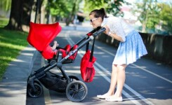 ТОП-3: Коляски с 6-ю колесами для детей