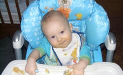 ТОП-3: Нагрудники и слюнявчики с рождения