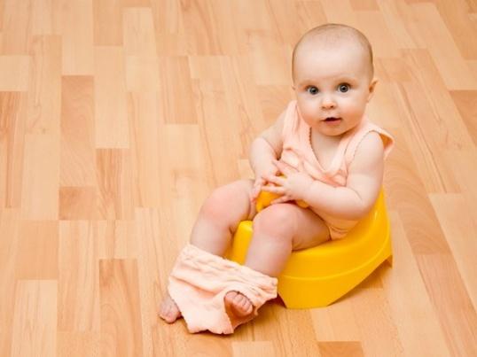 Почему зеленые какашки у ребенка? Причины и лечение