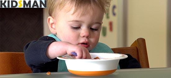 10 месячный ребенок кушает фото