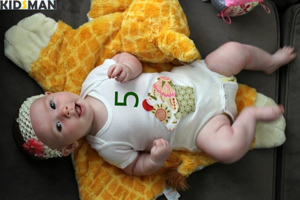 Ребенок 5 месяцев фото