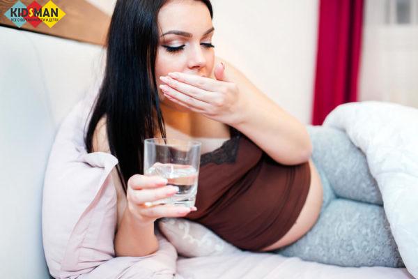 причины горечи во время беременности